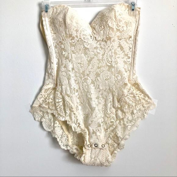 1a0ddca10 Vintage Victoria s Secret lace teddy one piece. M 5b6b4264153795a16a55c6c0
